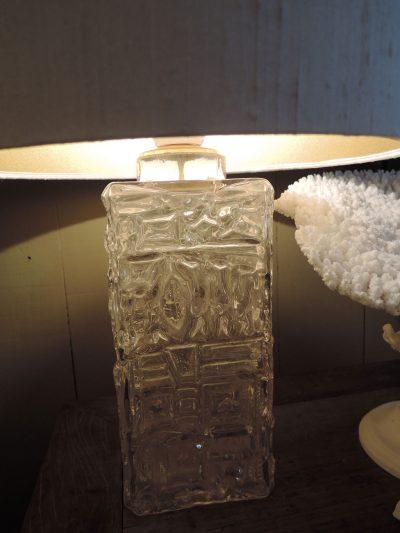 PAIRE DE LAMPES EN VERRE MOULE – SUEDE CA,1960 + AJ SOIE CYLINDRE