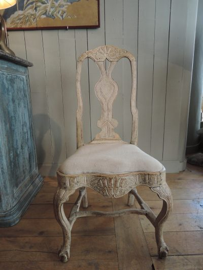 SWEDISH ROCOCO CHAIR DONE BY THE MASTER LINDOME WITH IT'S ORIGINAL CREAM PAINT CA.1760