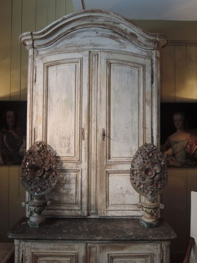 TALL DOUBLE-CABINET WITH WHITE PATINA AND MARBLE TOP CA.1700