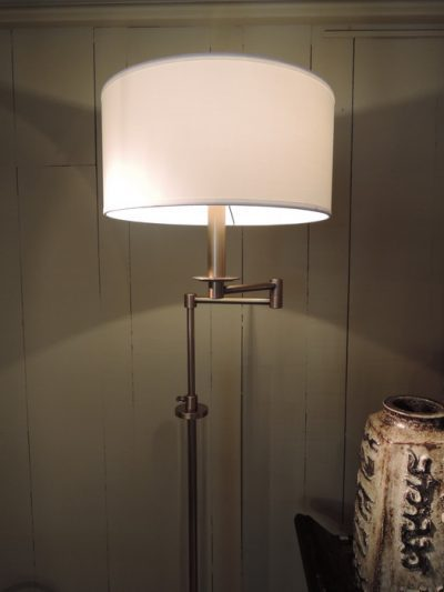 PAIR OF READING LAMPS WITH GLASS TUBES