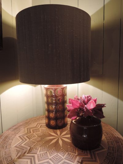 BROWN CERAMIC LAMP WITH COPPER PELLETS BY BERGBOMS CA,1960