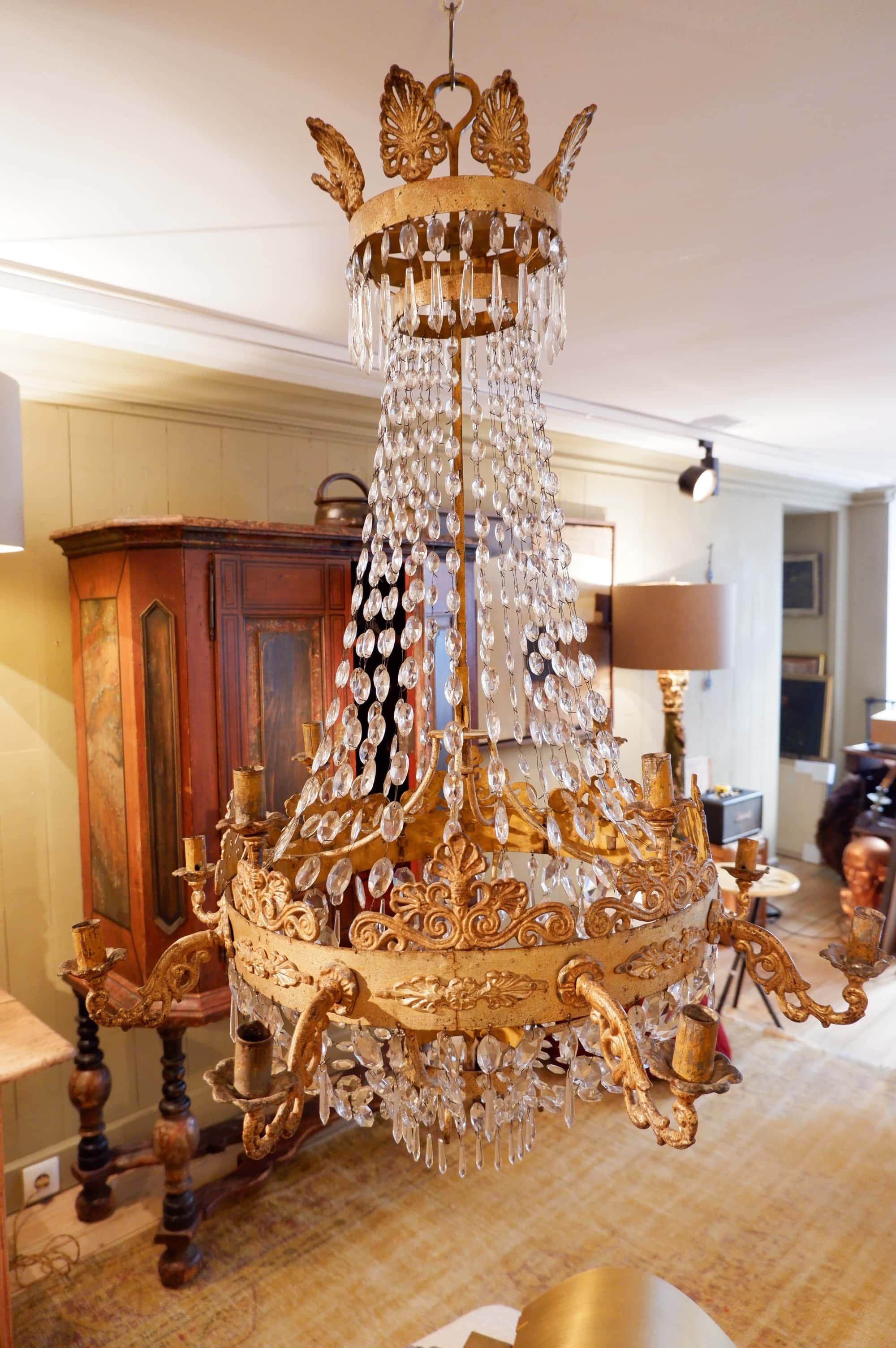 Chandelier régence en bronze doré et chute de cabochons de verre taillés fin XIXe