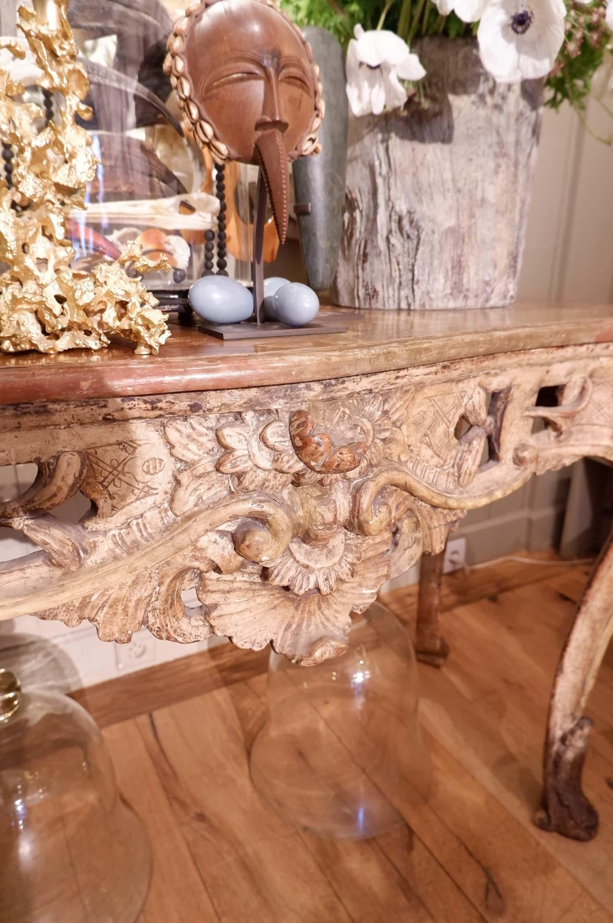 Console génoise style Louis XV époque XVIII décor faux-marbre peint