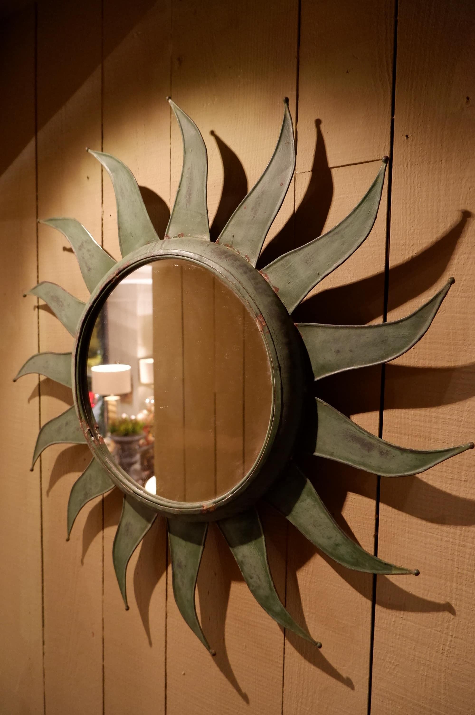 Miroir soleil en métal vert de gris ca.1950