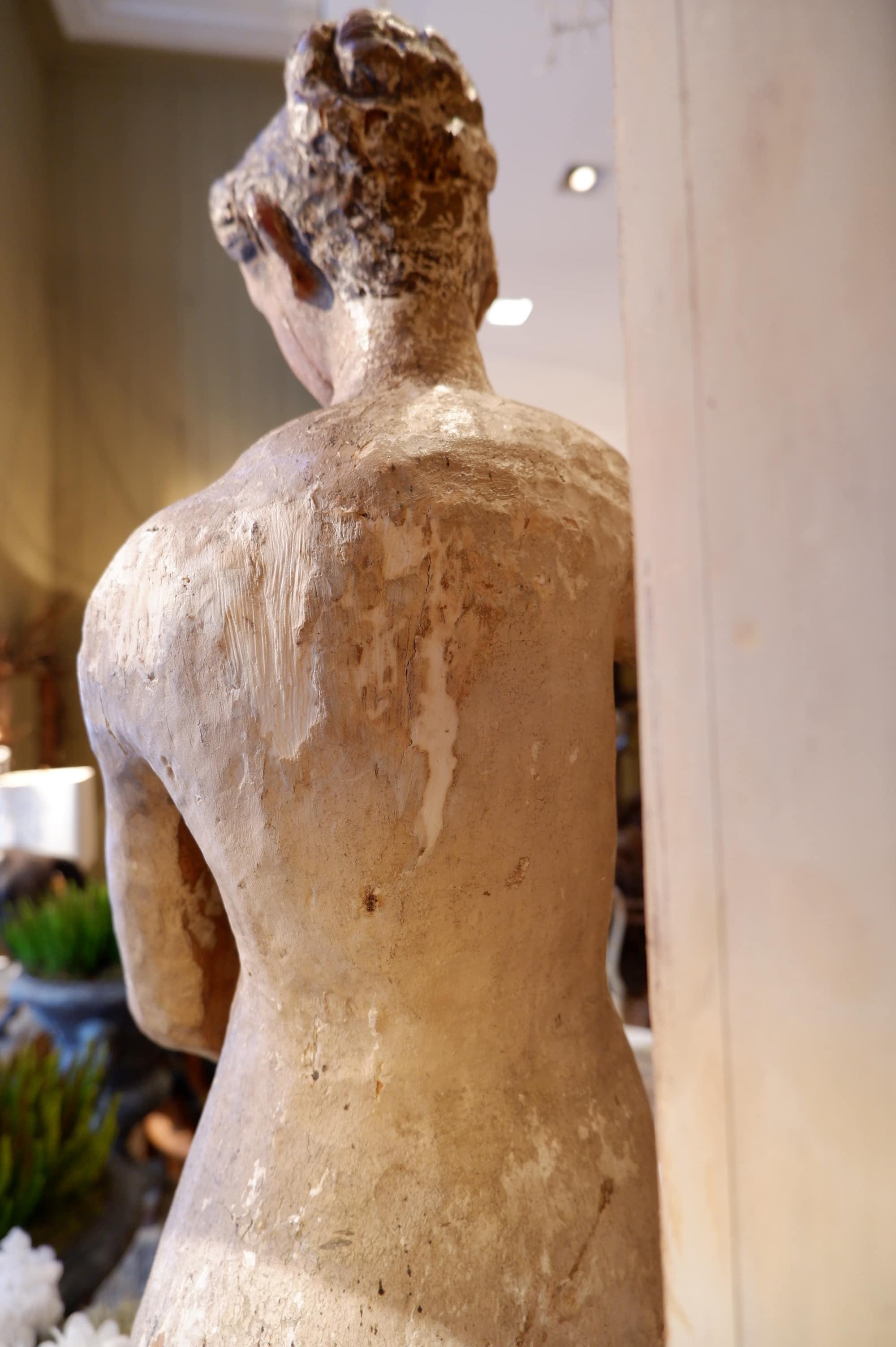 Statue de femme en bois sculpté & peint – Italie XVIIe