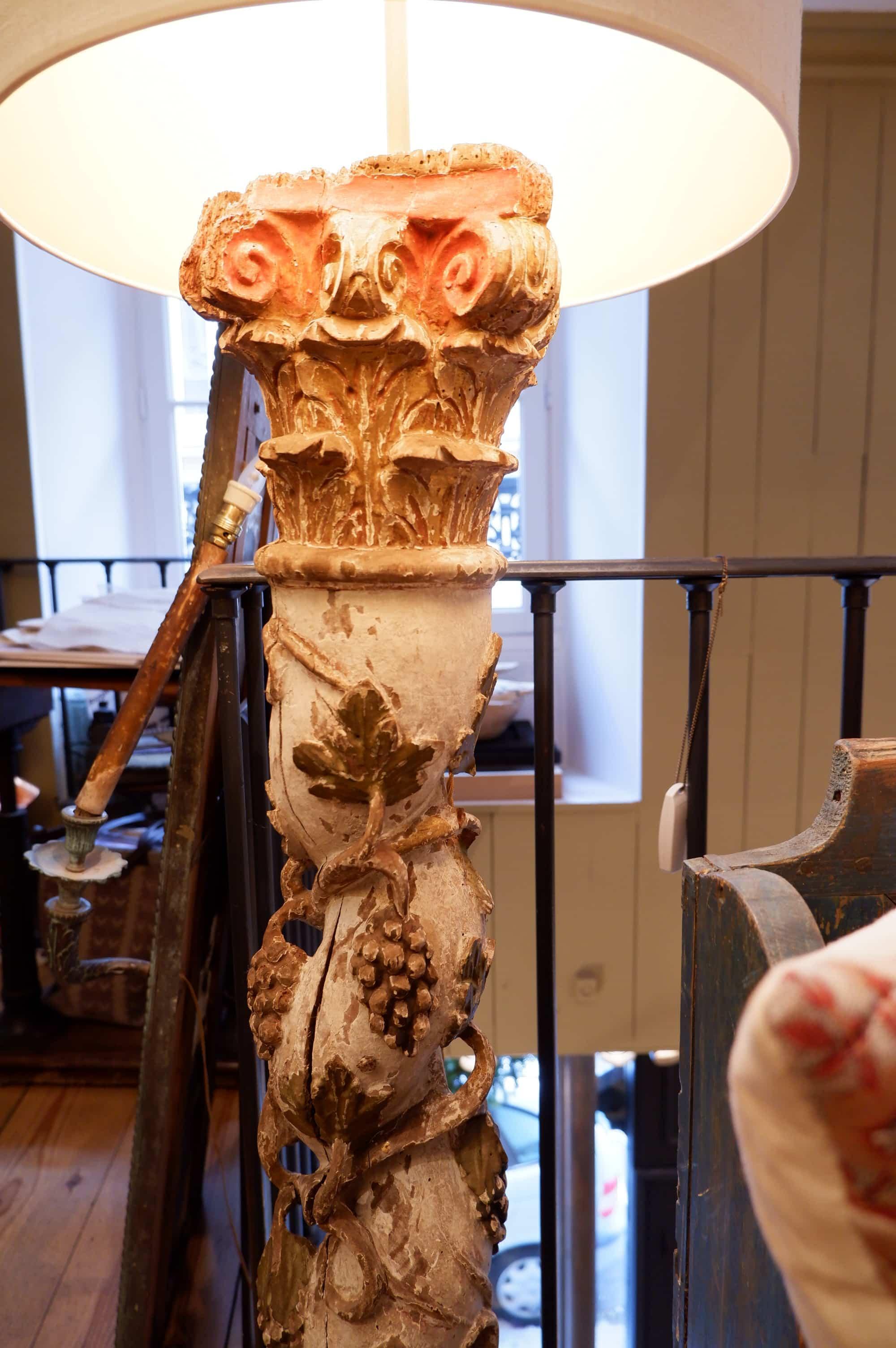 Lampadaire torsades  grappes de raisin en bois sculpté polychrome époque XVIIIE + AJ cylindres