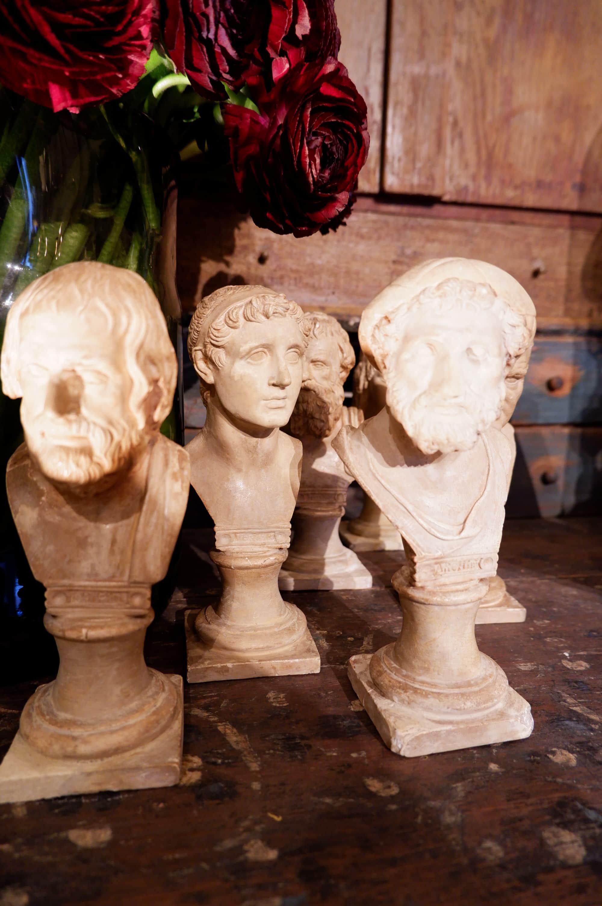 ENSEMBLE DE 6 BUSTES EN PLATRE – ITALIE XIXE