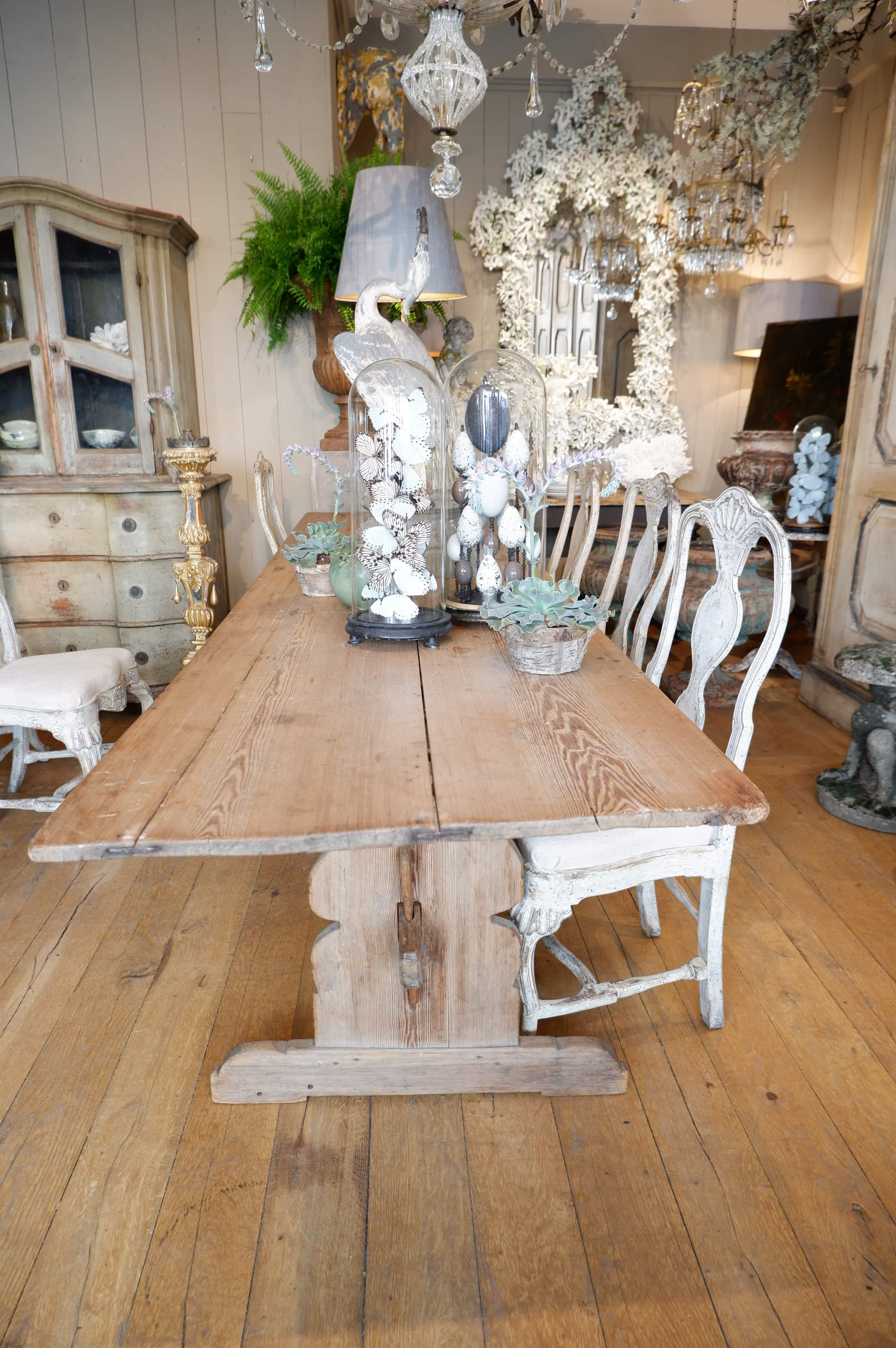 Grande table rustique en pin – Suede ca.1800