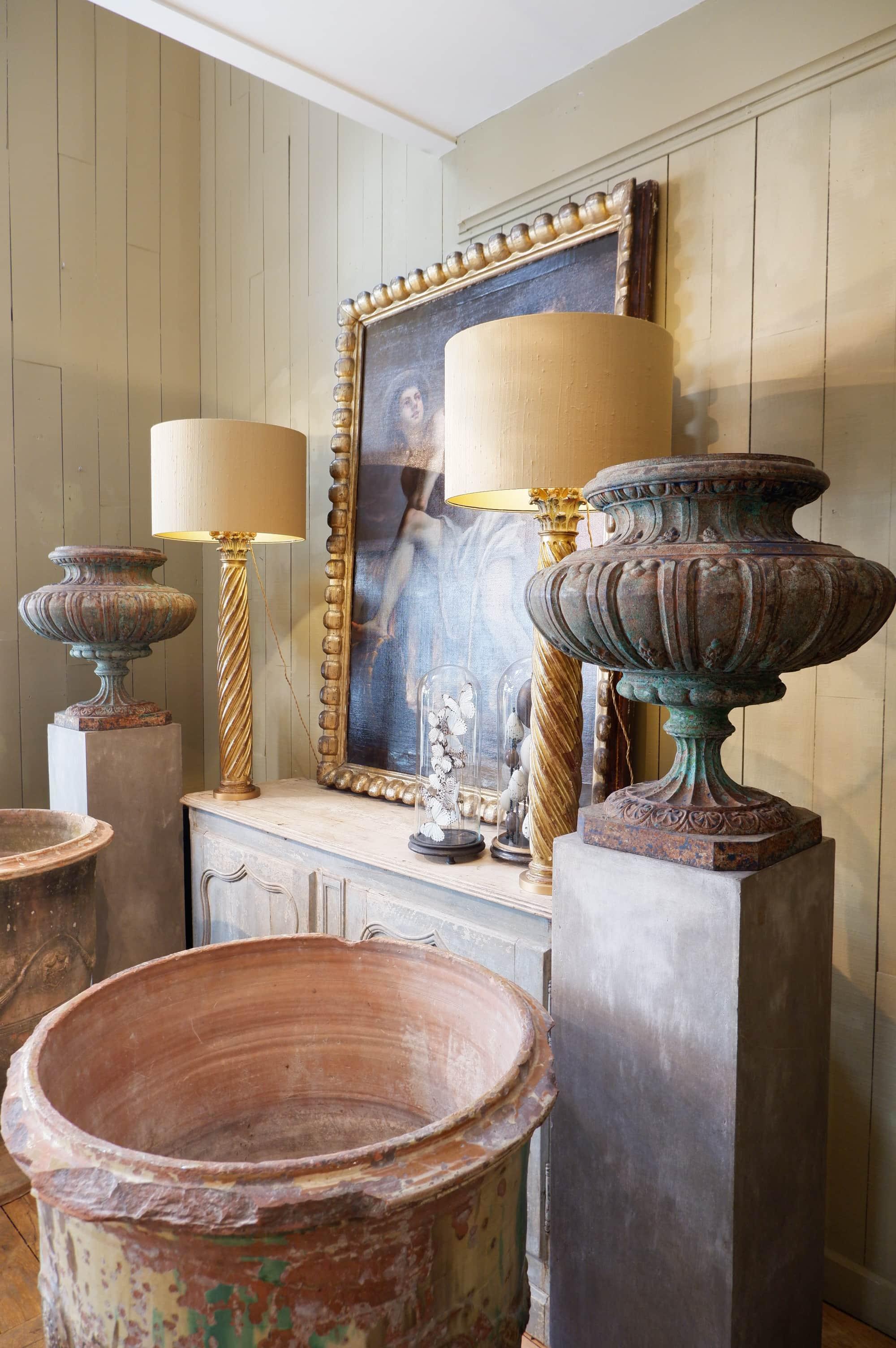 Paire de très grands vases en fonte verte – Angleterre début XIXe