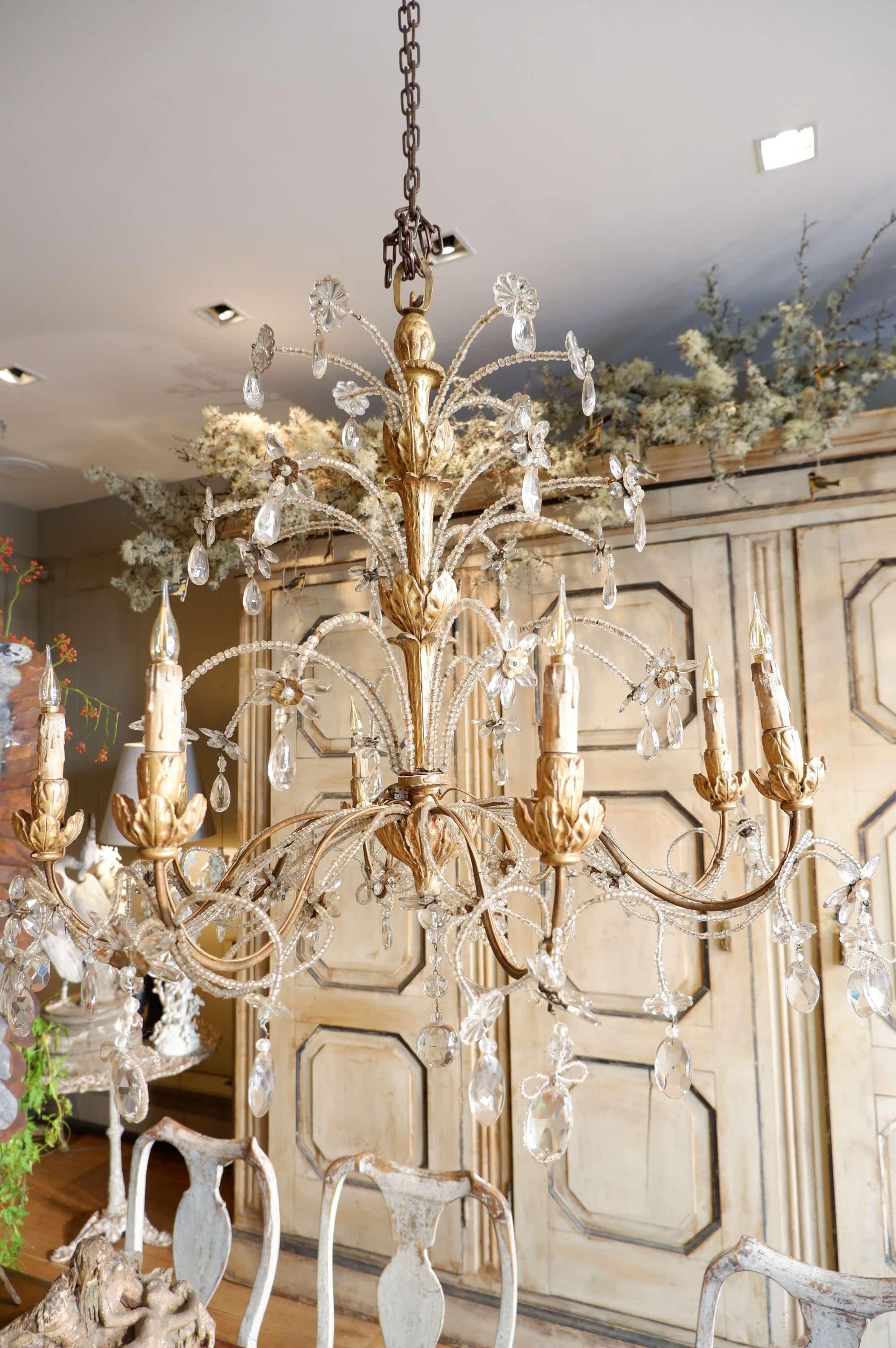 Grand lustre génois en bois doré et perles de verre milieu XIXe
