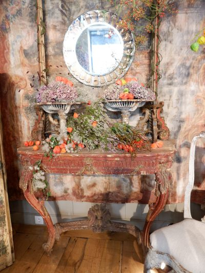 Italian wall console with red patina ca.1700