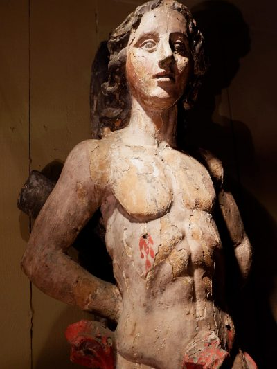 Grande sculpture de St Sébastien en bois polychrome  XVIIe