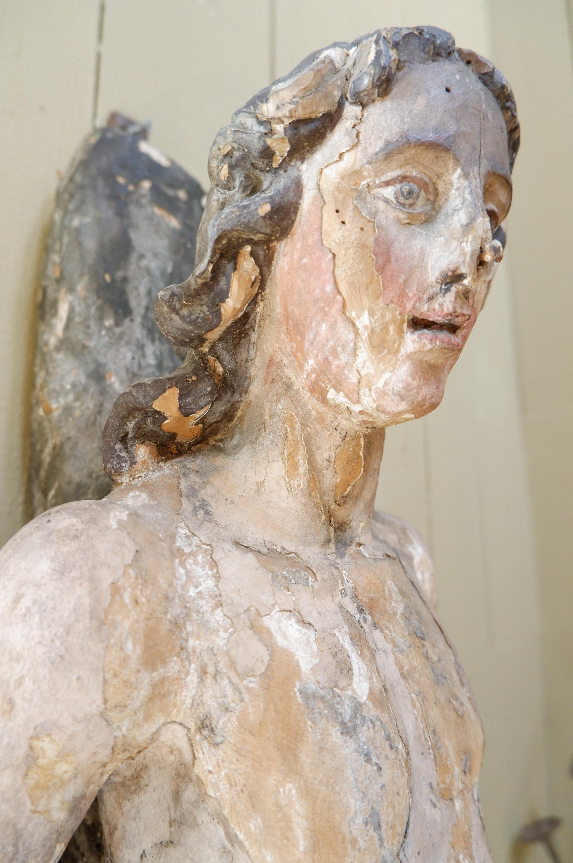 Grande sculpture de St Jean Baptiste en bois polychrome  XVIIe