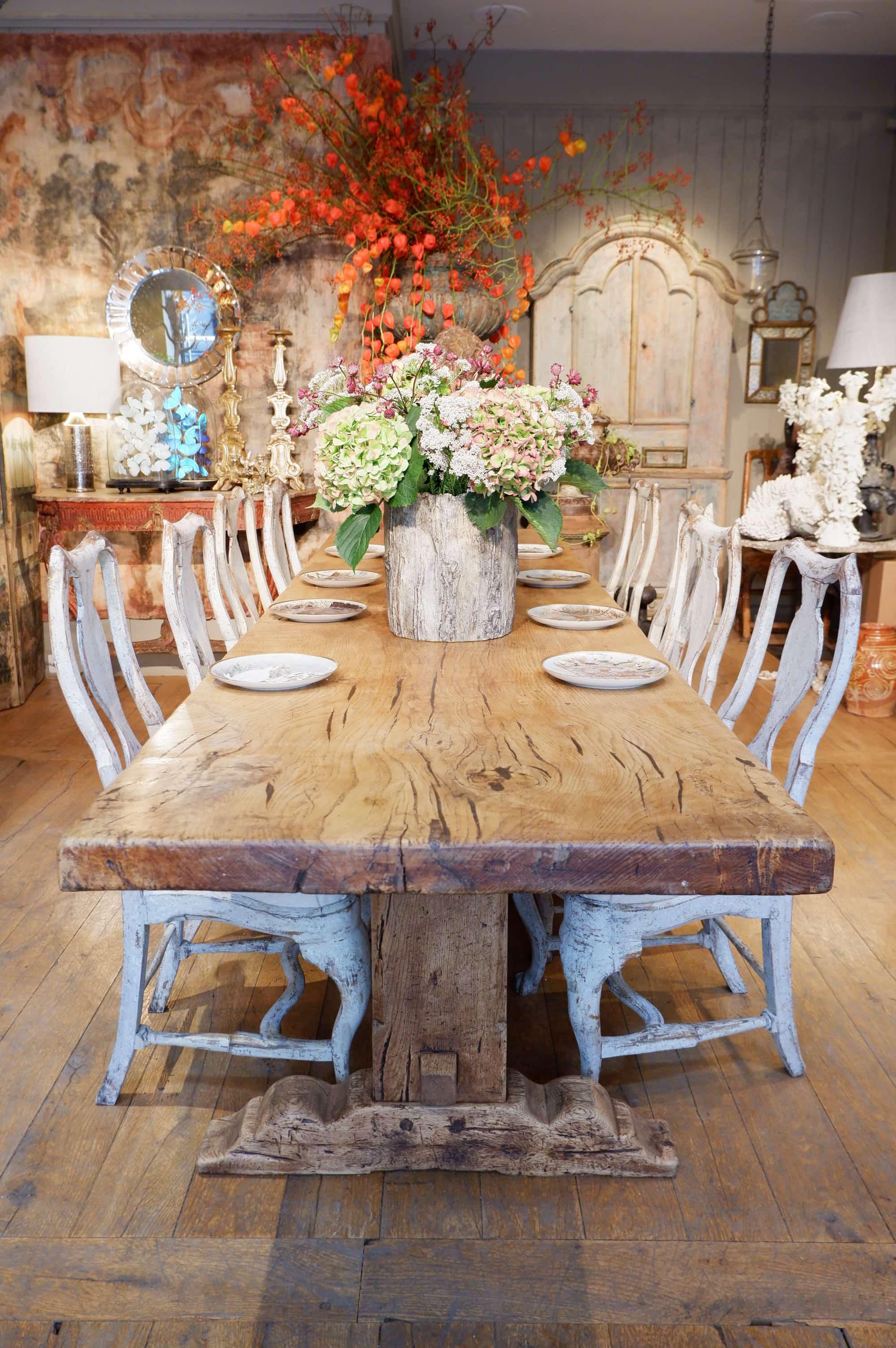 Grande table de monastère en bois clair XIXe