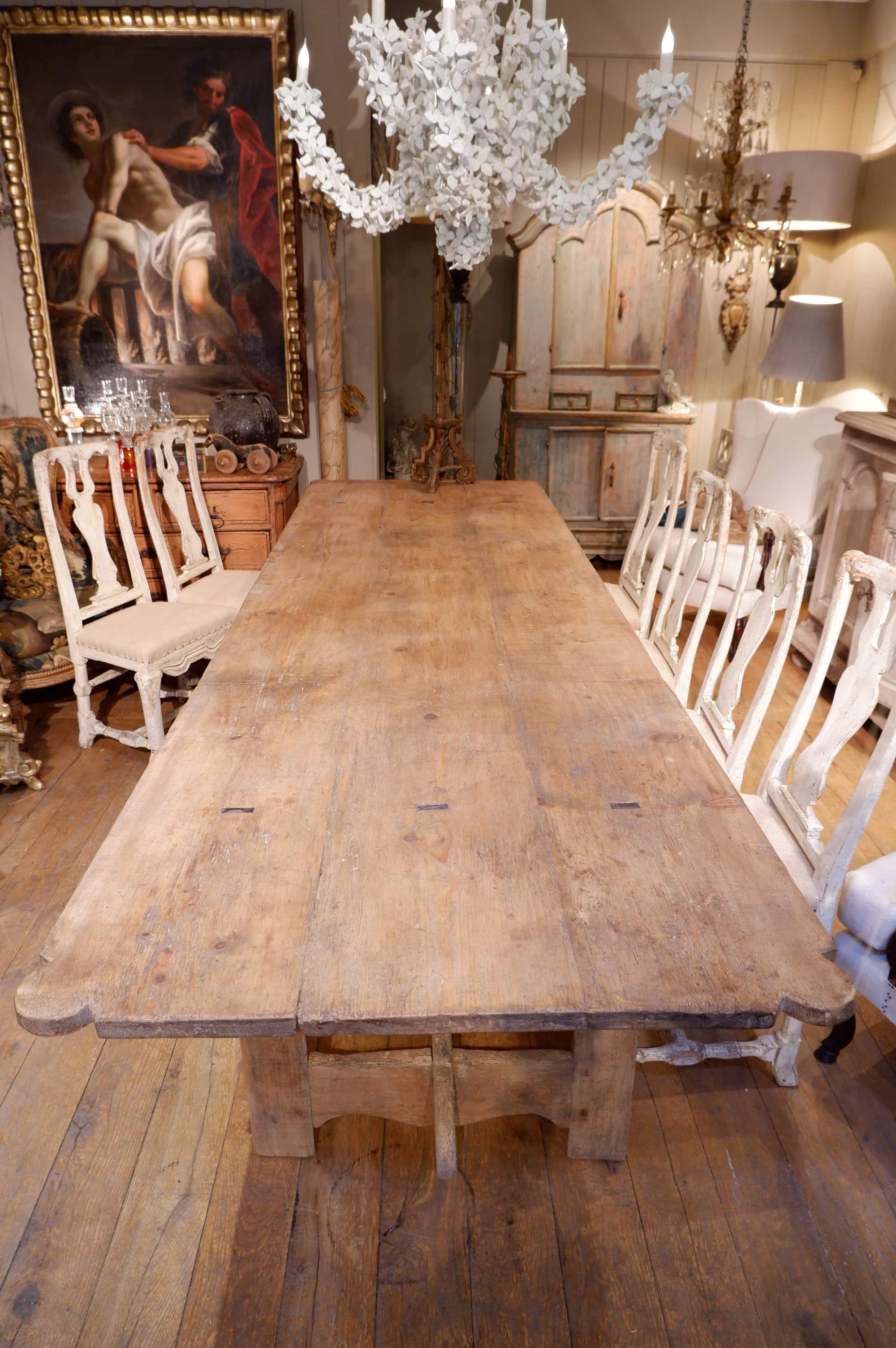 Grande table de couvent en sapin clair- France fin XVIIe