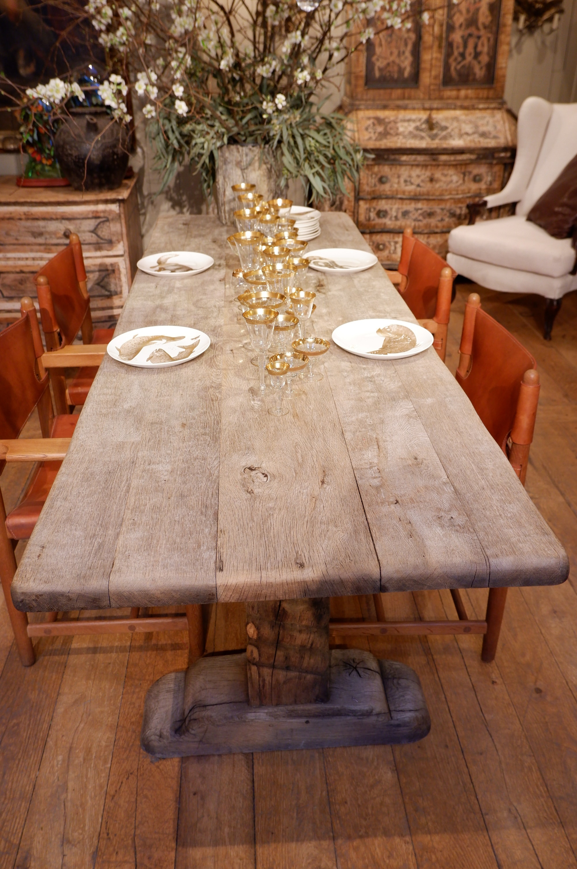 Grande table en chêne massif – pieds vrillés – fin XVIIe
