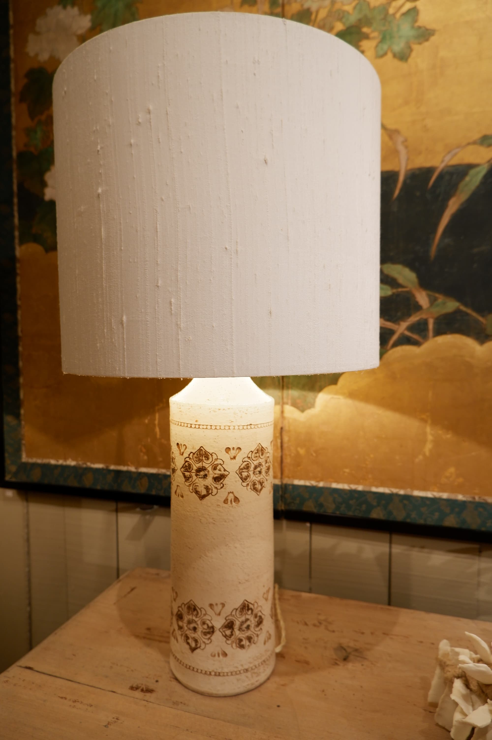 Paire de lampes en céramique chamotée décor fleurs brunes – ca.1960 Aj soie