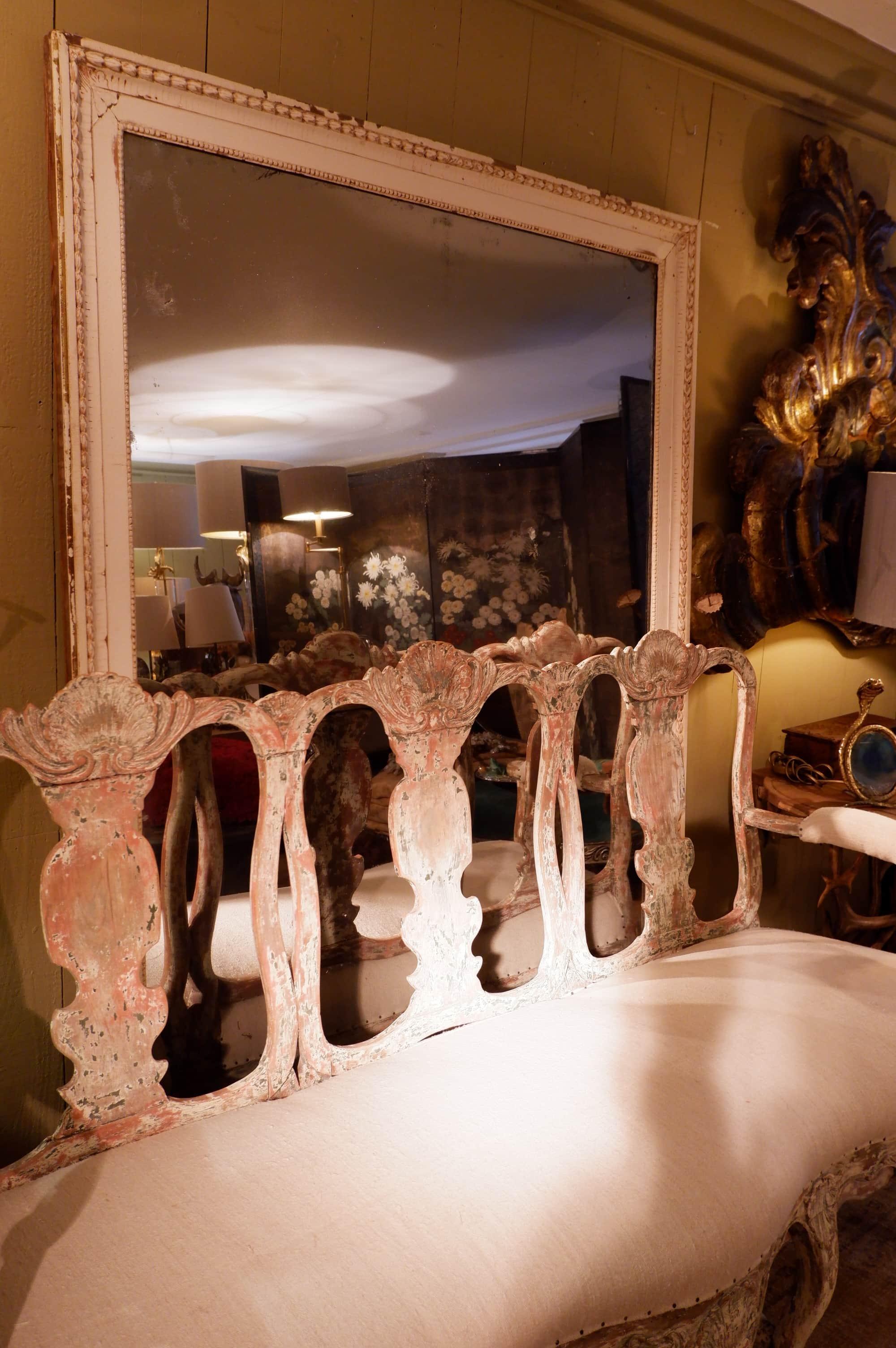 Grand miroir bistrot en bois patine blanche fin XIXe