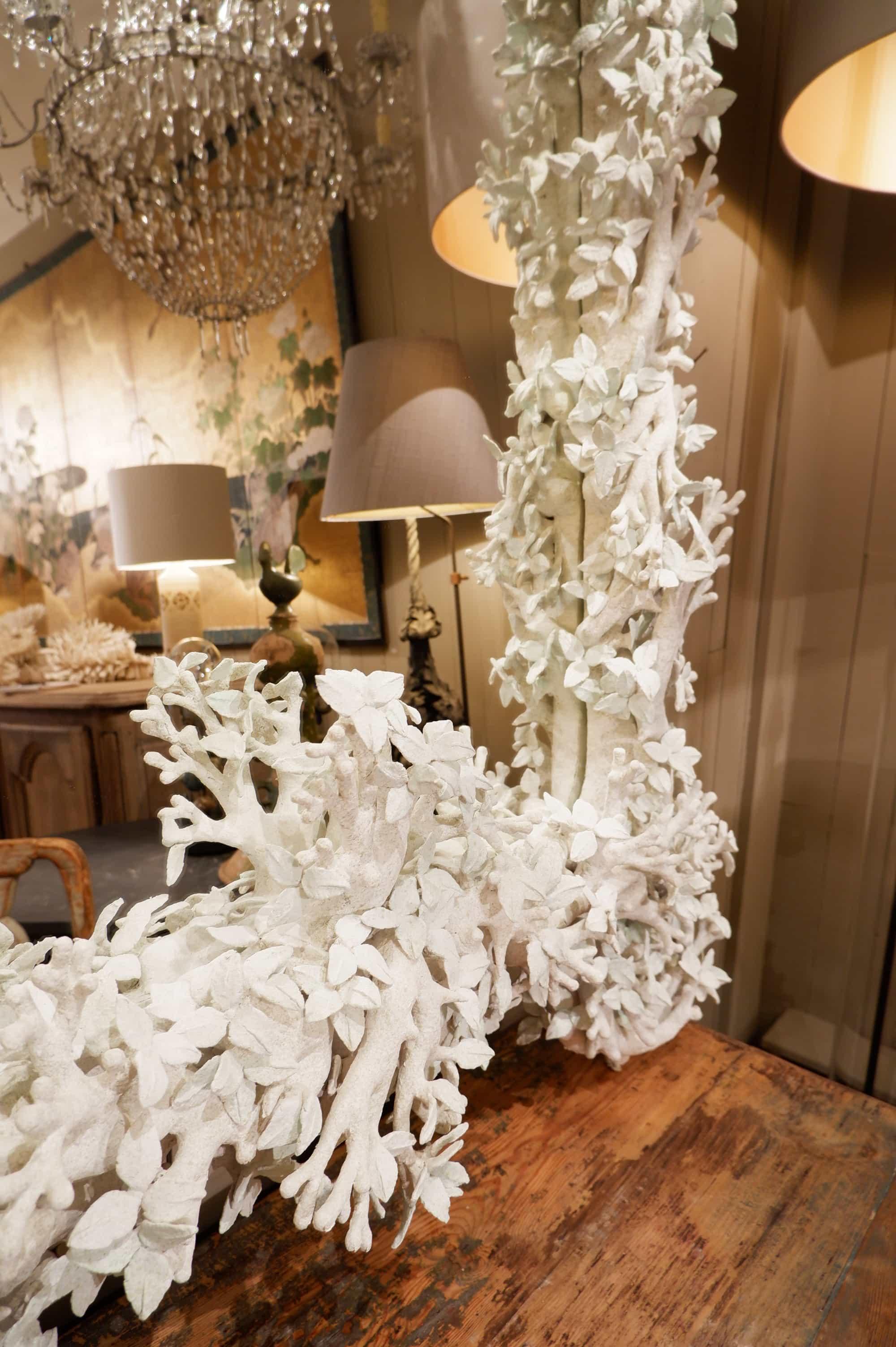 Grand miroir feuilles blanches par Edouard Chevalier