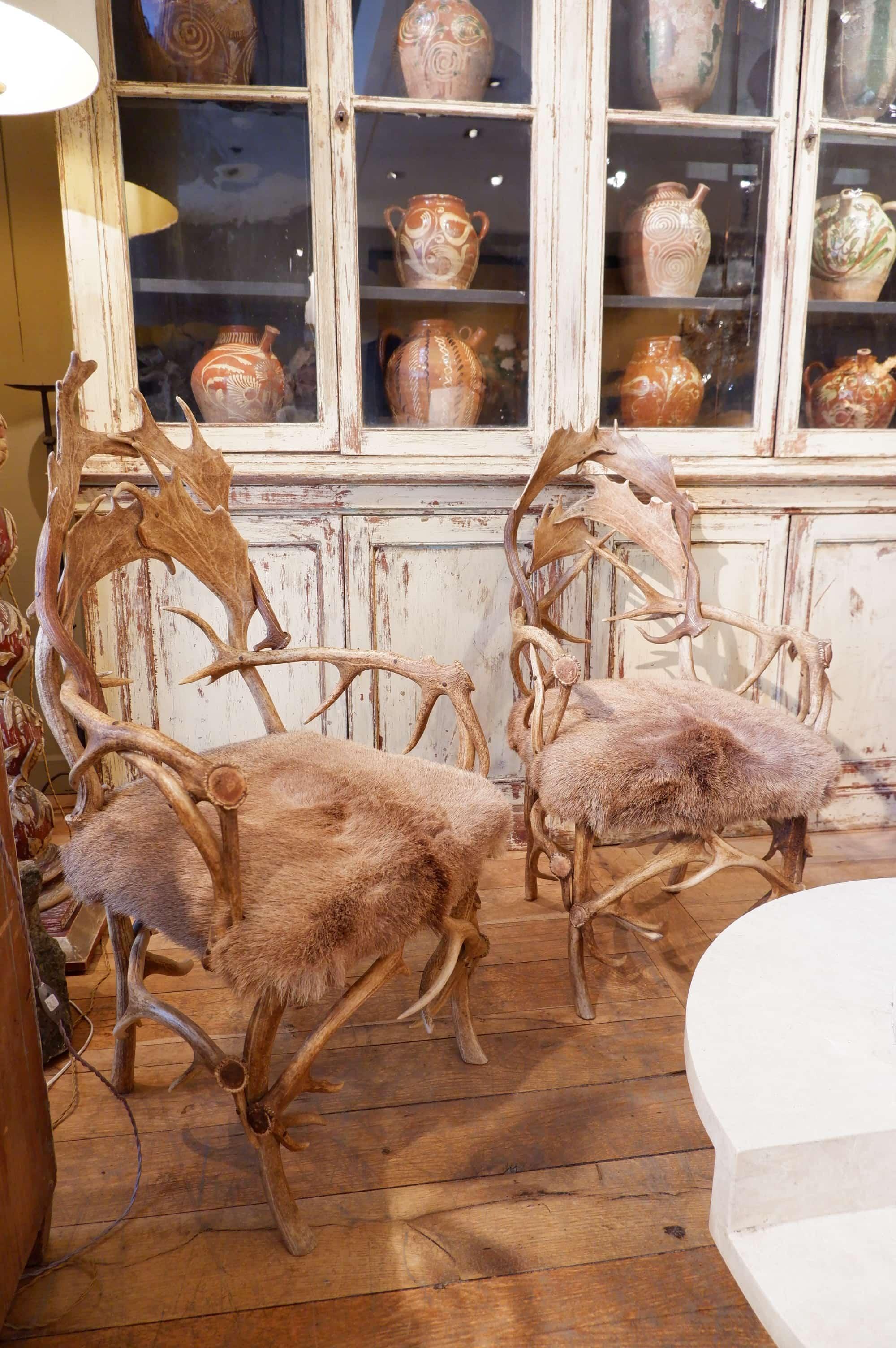 Paire de fauteuils en cornes de cerfs ca.1900
