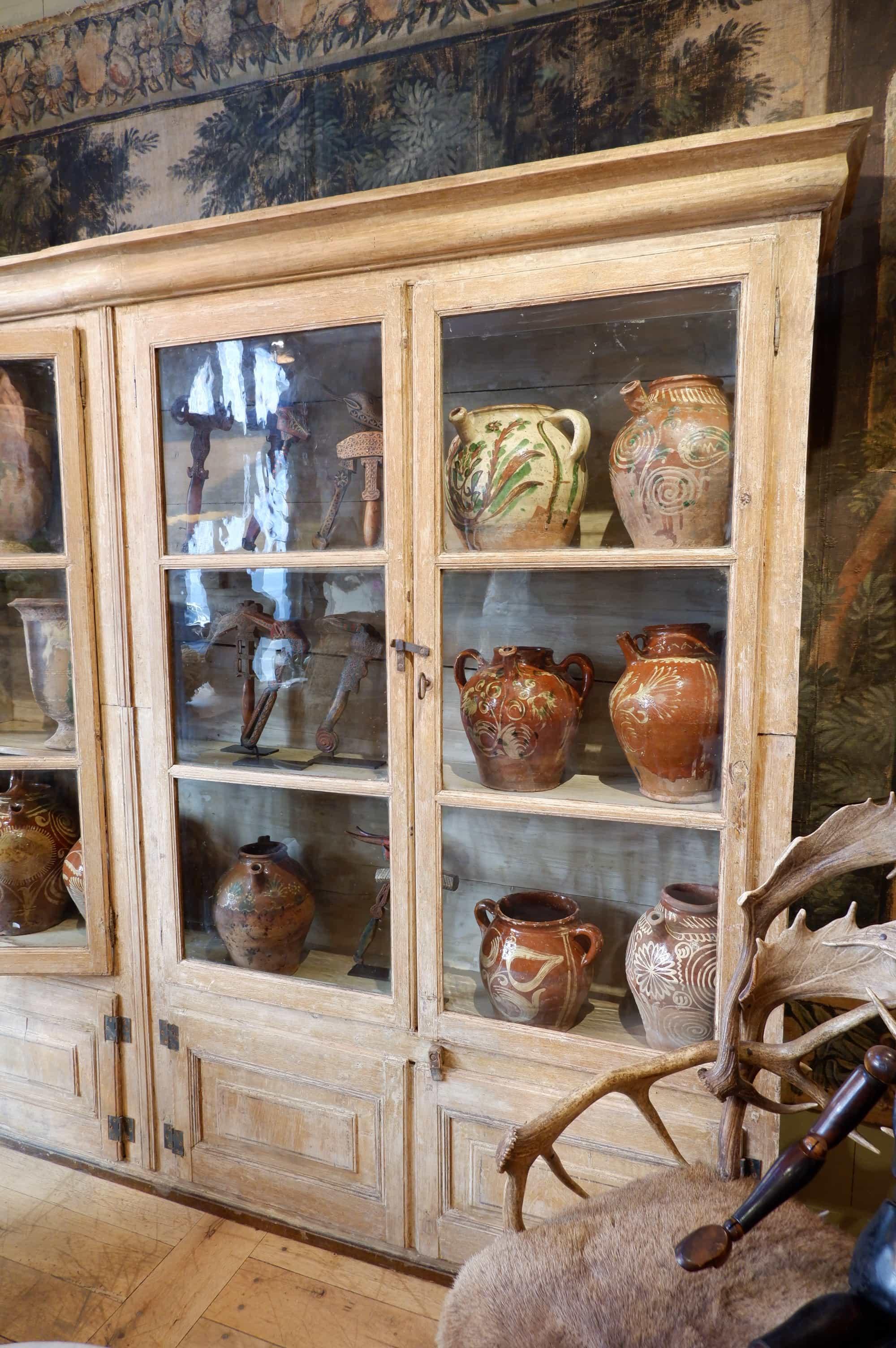 Bibliothèque ou vitrine de présentation patine beige ocre XIXe -Provence