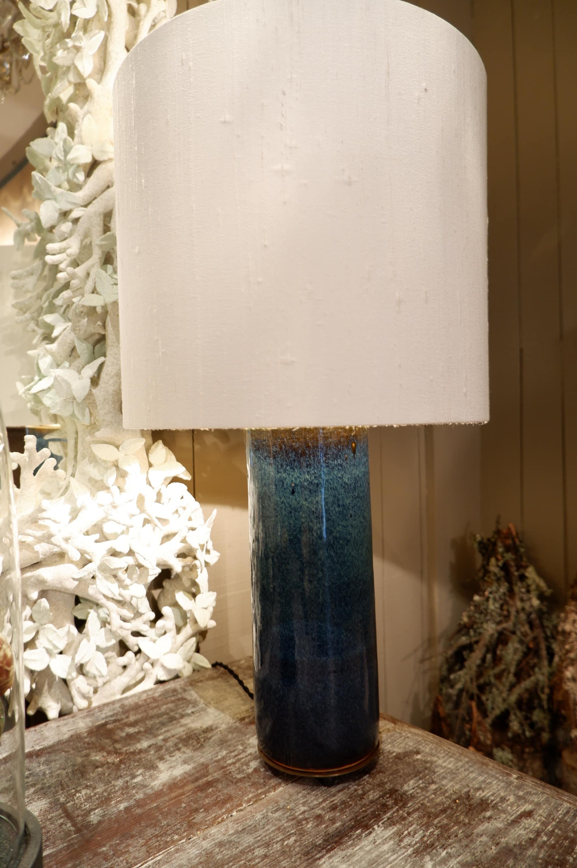 Paire de lampe en céramique émaillée bleue base lation + aj cylindre en soie