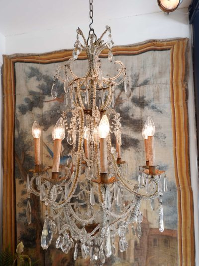 Lustre en métal doré recouvert de perles transparentes Venise fin XIXe