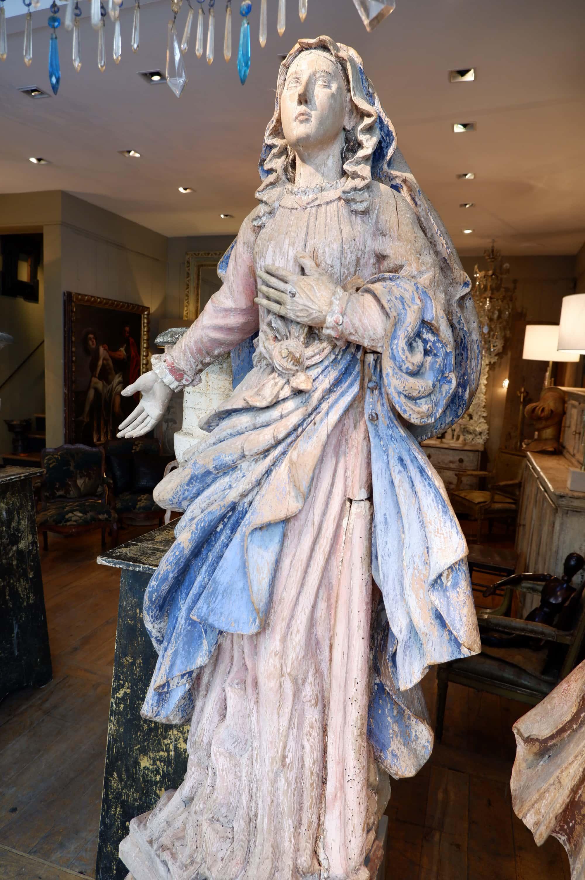 Paire de grandes sculptures en bois polychromes époque Louis XIV  – Portugal