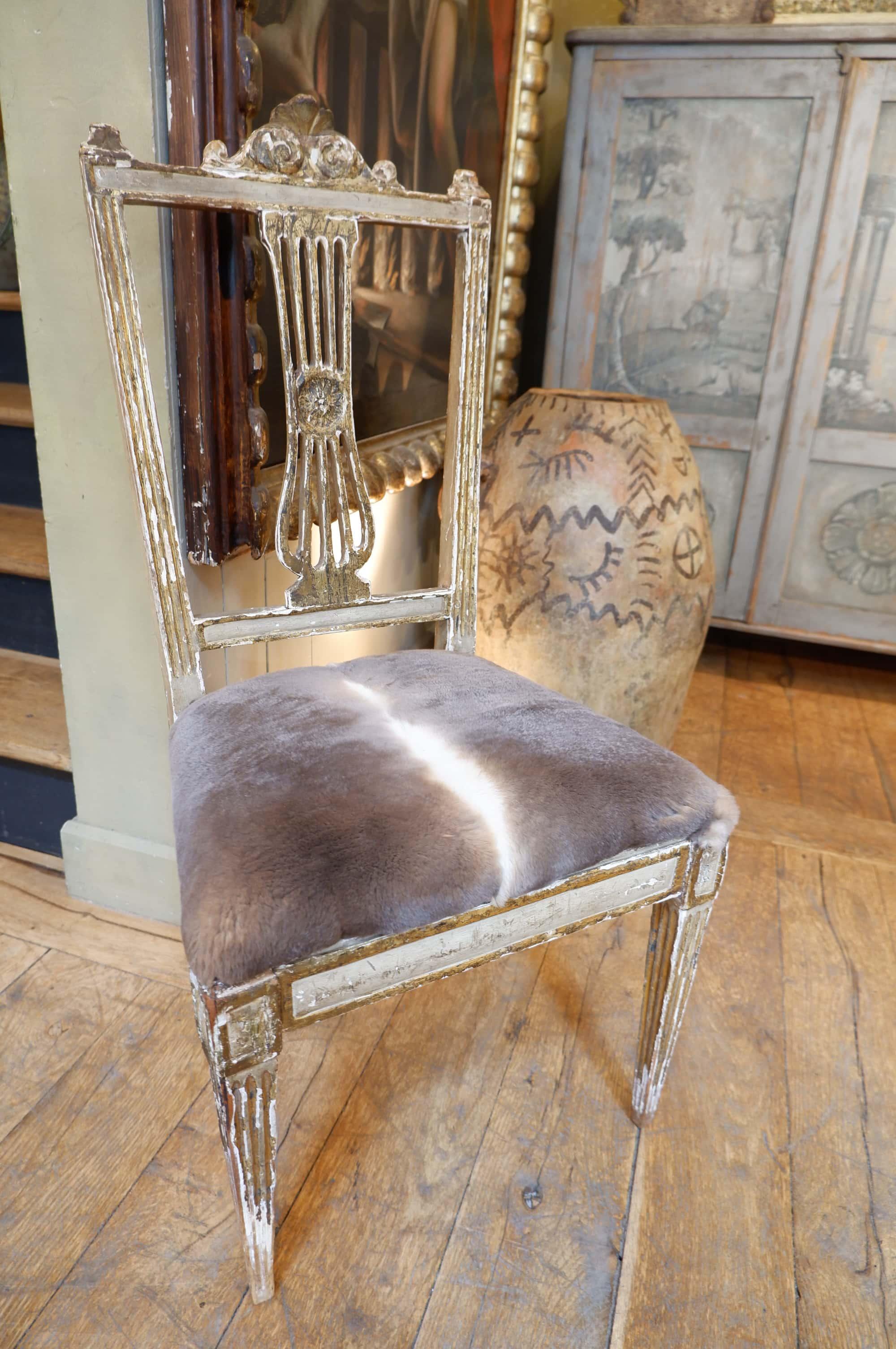 Une Chaise dossier lyre patine bronze ca.1700