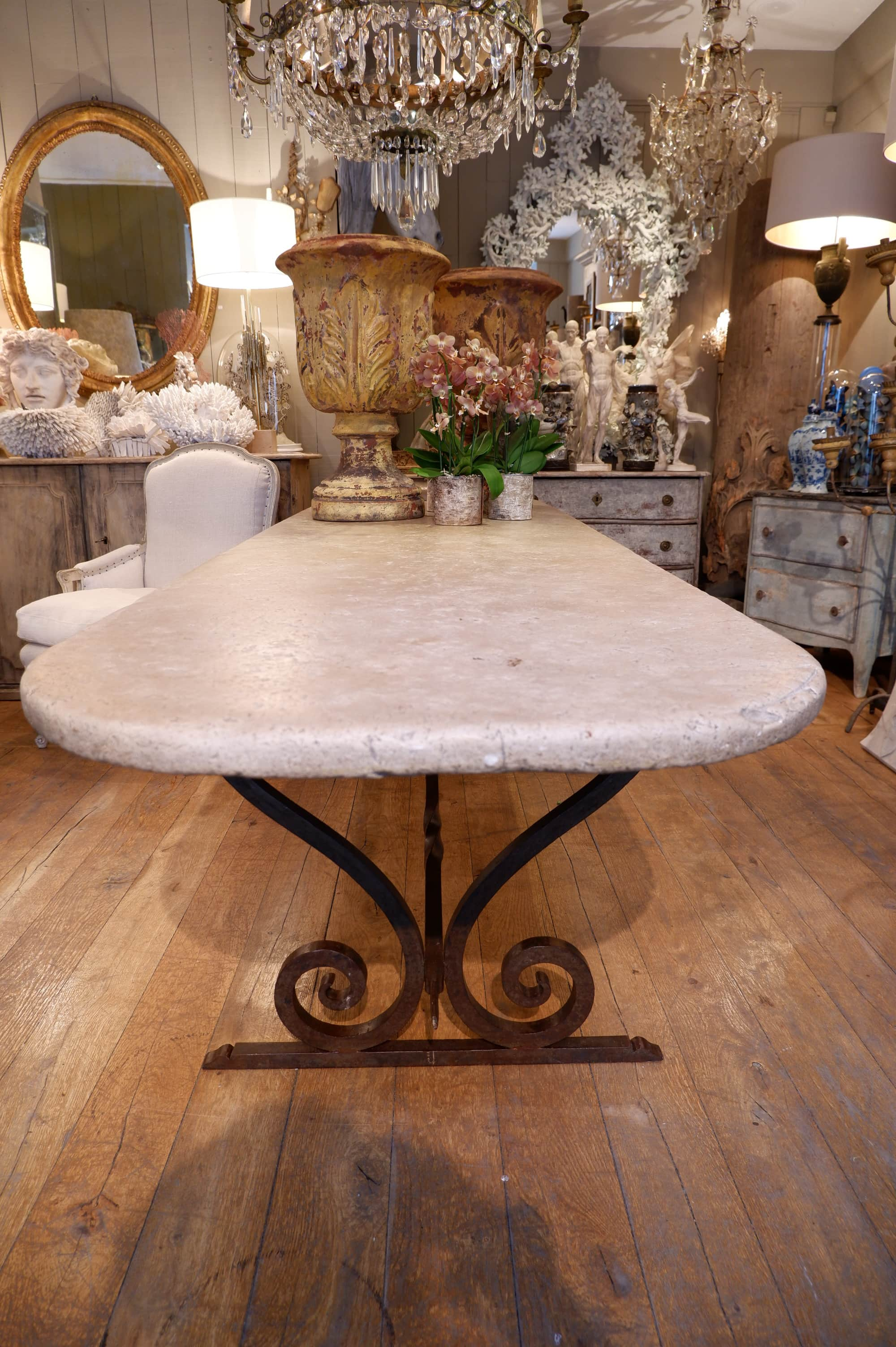GRANDE TABLE EN PIERRE MARBRIERE EPOQUE XVIIIe & BASE EN FER FORGE