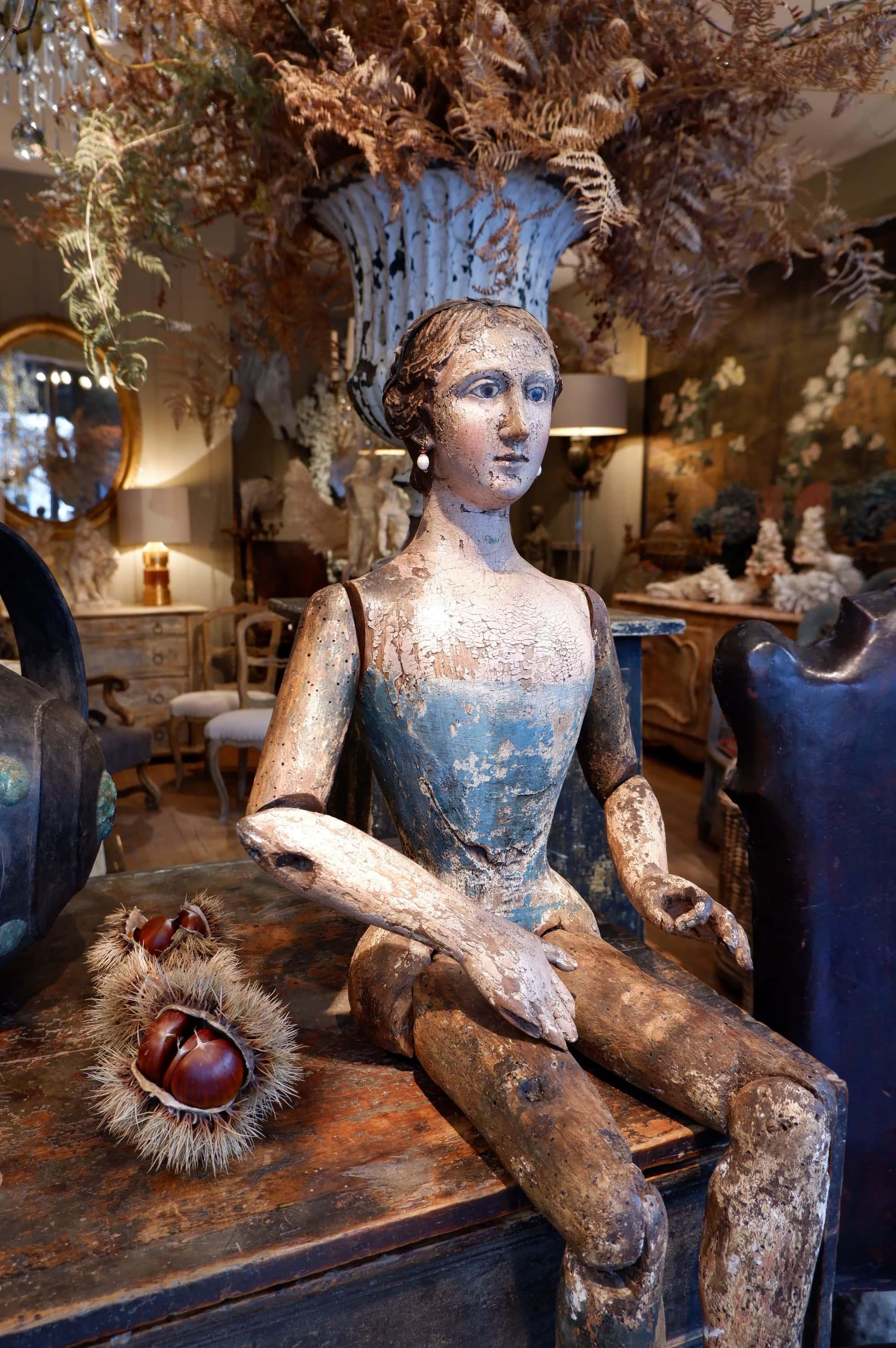 Grand mannequin en bois polychrome – Italien d'époque XVIIe