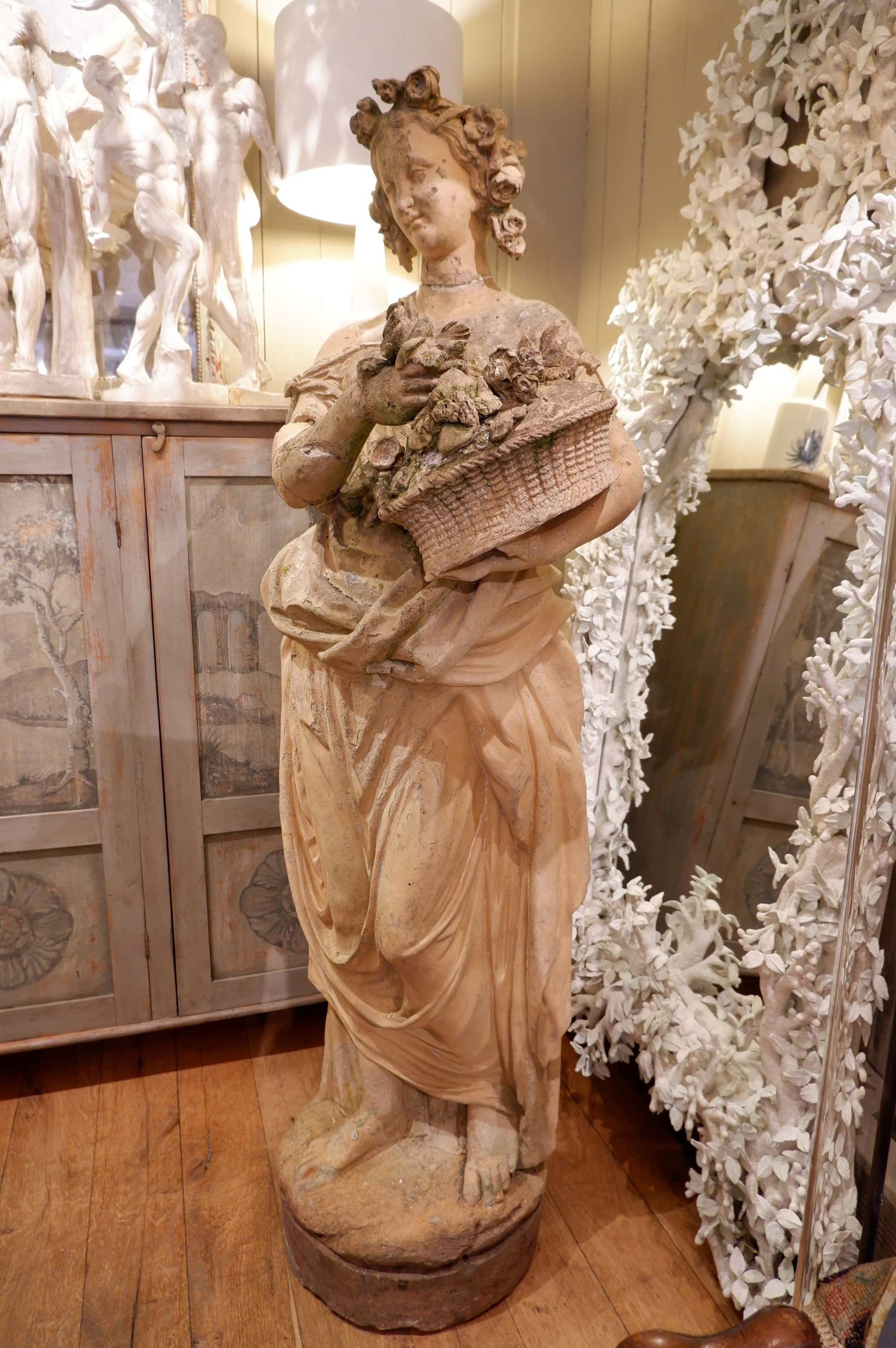 GRANDE TERRE CUITE FEMME AU PANIER PAR GOSSIN CA.1800