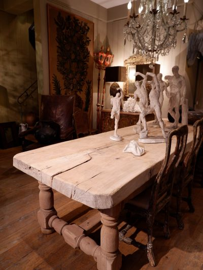GRANDE TABLE DE FERME EN ORME NATUREL A 2 TIROIRS FIN XIXE