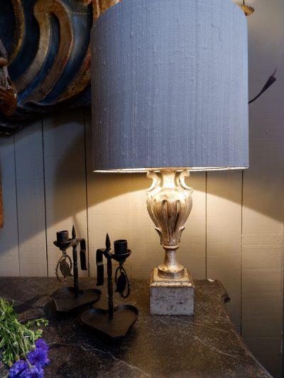 Petit lampe vase italien XVIIIE en bois sculpté à la feuille d'argent + AJ