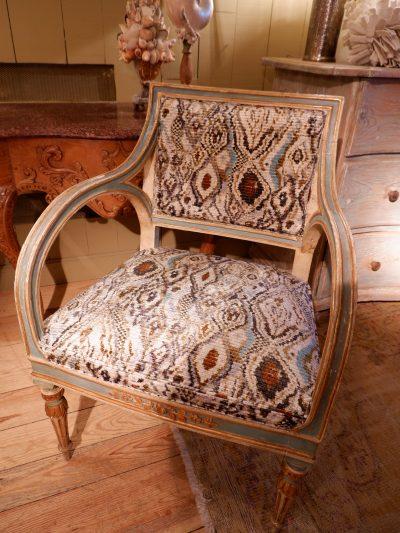 Paire de fauteuils napolitains période directoire en laque turquoise & or