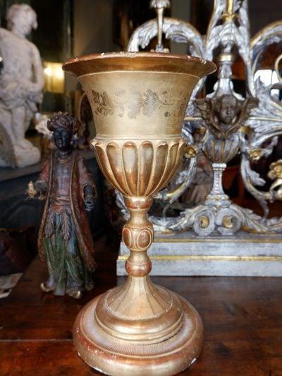 Grand calice en bois sculpté orné de feuille d'or -milieu XIXe