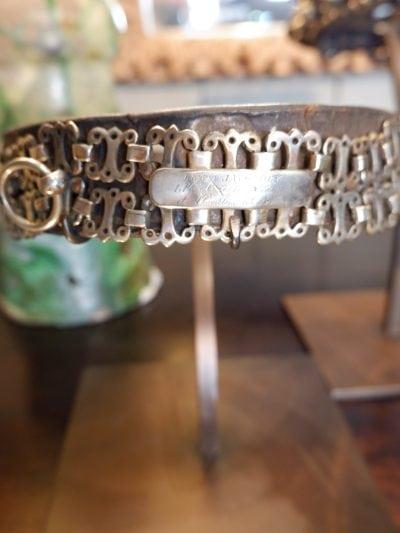 Collection de colliers de chiens en métal ouvragé fin début XXe