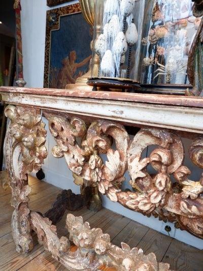 Grande console baroque italienne en bois sculpté orné de feuille d'or ca.1800