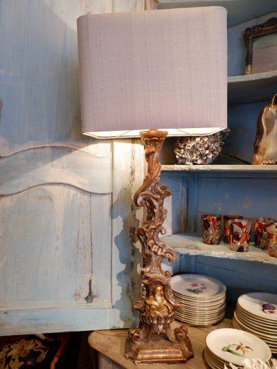 Une paire de lampes éléments plats XVIIIE à la feuille d'argent + aj en soie grise