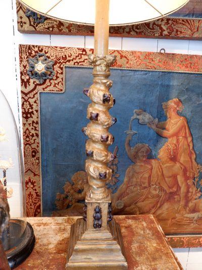 Paire de lampes colonnes torses à cabochons + AJ cylindre en soie dorée