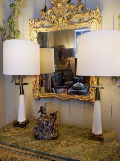 PAIRE DE LAMPES TOMMY PARSINGER BRONZE & VERRE OPALIN