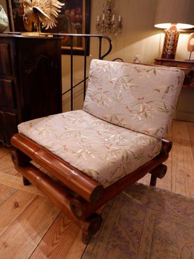 Une paire de fauteuils Bambous ca.1960 sur tissu Libellule par Rubelli