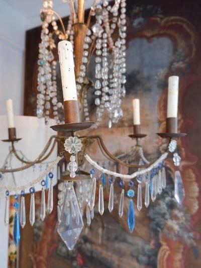 Petit lustre Génois centre en bois pendants bleu & blanc ca.1880