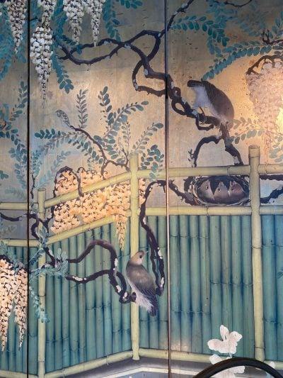 """Paravent Japonais décor peint """"glycines, iris & rossignols"""" -milieu XXe"""
