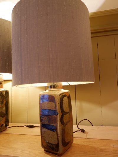 Une lampe en céramique par Carl Harry Stalhane pour Rostrand ca.1950 + aj soie